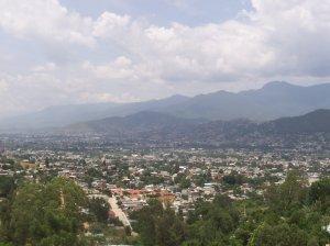 La ville d'Oaxaca vue des montagnes de Monte Alban