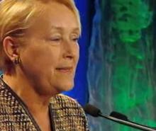 Crise économique: Pauline Marois offre son aide à Jean Charest