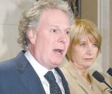 Ottawa doit toujours 6 milliards $ au Québec, et Jean Charest ne fait rien!