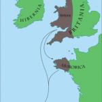 Entre le 4è et le 5è siècle, fuyant les Anglo-saxons, les Bretons de Grande-Bretagne passèrent la Manche pour se réfugier dans la presqu'île armoricaine.