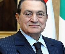 Égypte: Moubarak ne renonce pas au pouvoir
