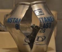 Grenades assourdissantes: des bombes qui implosent?
