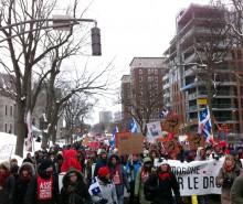 Manifestation pacifique à Québec: gaz lacrymogène pour tous!