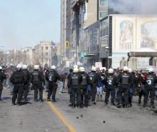Manifestation étudiante à Montréal: répression policière et abus de l'anti-émeute