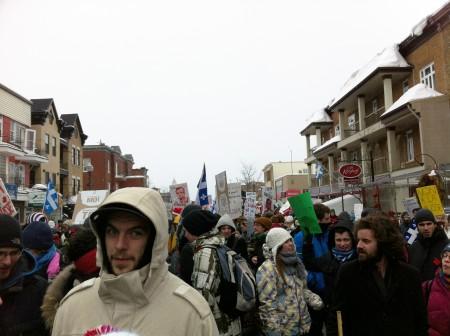 Manifestation passant par la Rue Cartier